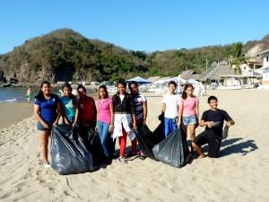 beach-cleanup-r