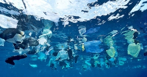 plastic-debris-in-the-ocean